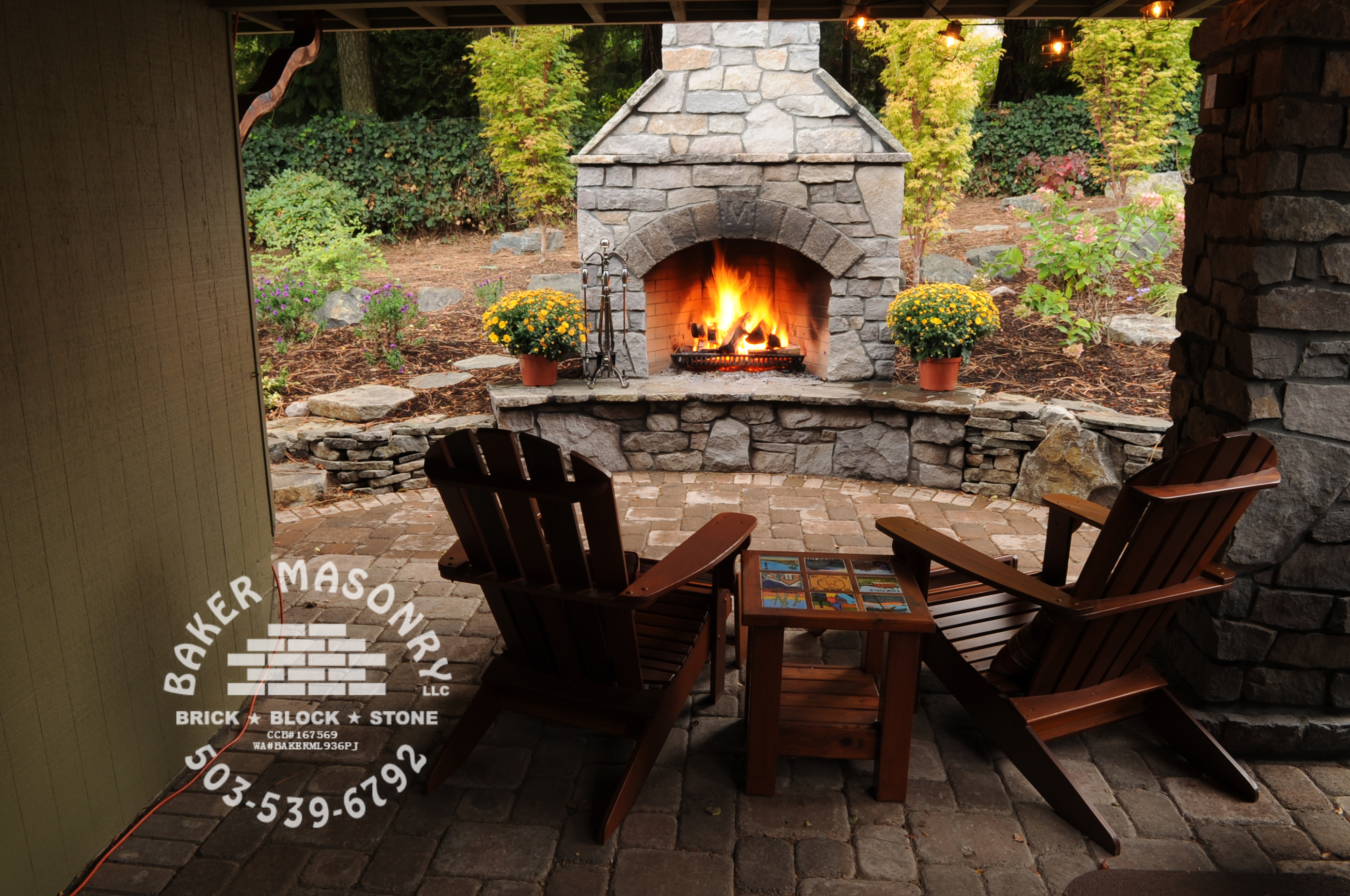 stone fireplaces natural stone fx 34 beautiful stone fireplaces that rock home design ideas. Black Bedroom Furniture Sets. Home Design Ideas